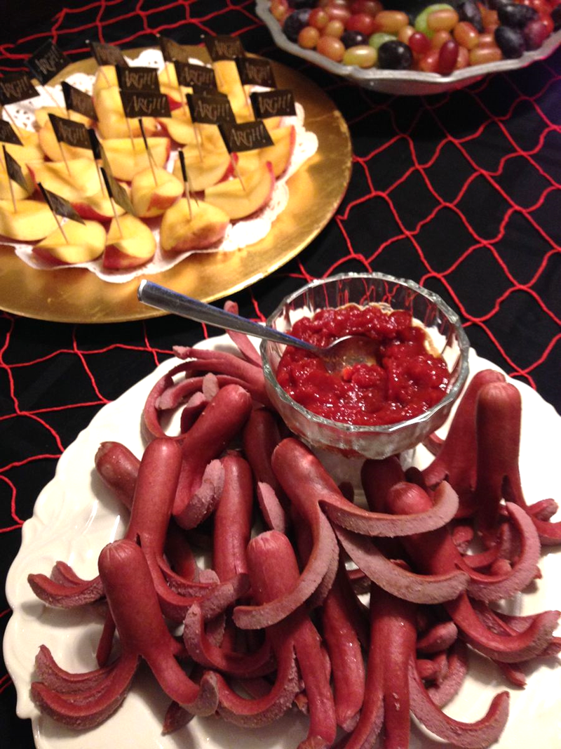 Hotdog Octopus with homemade ketchup - SCD Halloween Food